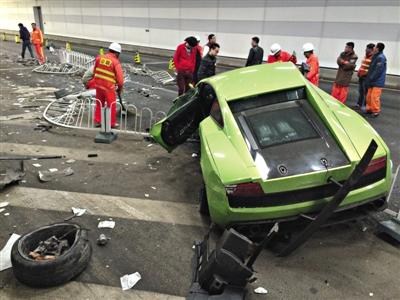 鸟巢隧道车祸法拉利车主据称为在校大学生