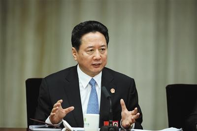 王儒林三大案例谈反腐:副市长贪腐6.44亿